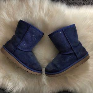 Ugg Girls Kids Serein Blue Classic Short Boots, 2